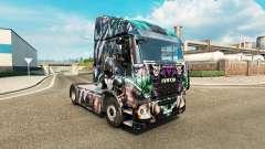 La peau DC Méchants sur le camion Iveco